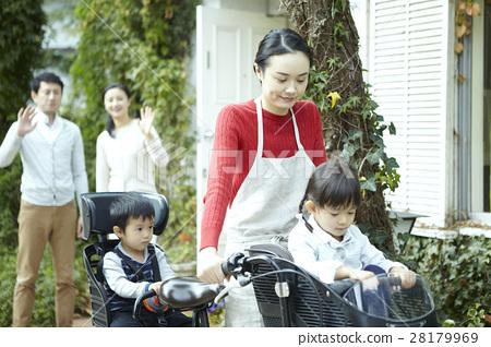 Babysitter bike 28179969