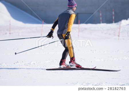 Nordic ski (blur expression) 28182763