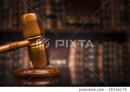 Law books, mallet of the judge, Courtroom 28346279