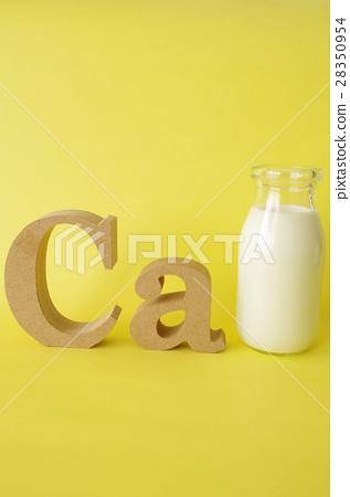 Milk and Calcium 28350954