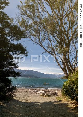 Lake Wanaka, Otago region of New Zealand 28356408
