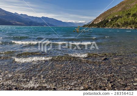 Lake Wanaka, Otago region of New Zealand 28356412