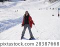 滑雪胜地女性肖像 28387668