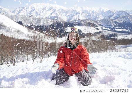 滑雪勝地女性肖像 28387715