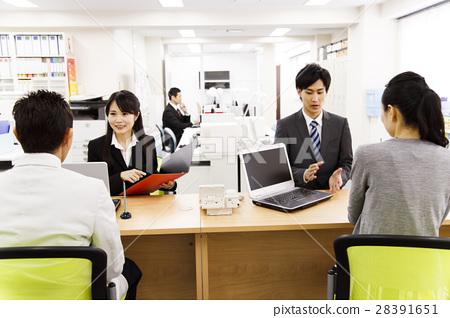 會議客戶服務計劃顧問個人計算機女性男性營業所商人 28391651