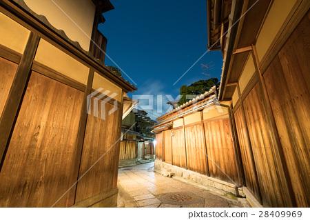 절경 교토 히가시야마 돌담 골목의 야경 (교토의 풍경) 28409969