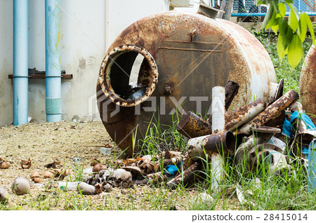 the used water tank 28415014