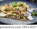Ravioli, Rabioli, plate 28523657