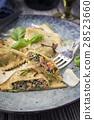 Ravioli, Rabioli, plate 28523660