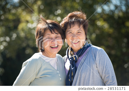 Two senior women with a smile 28531171