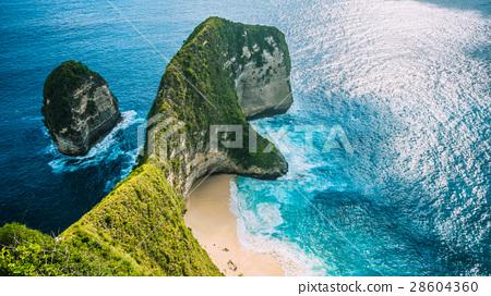 Manta Bay or Kelingking Beach on Nusa Penida 28604360