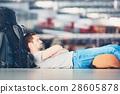 Airport, men, baggage 28605878