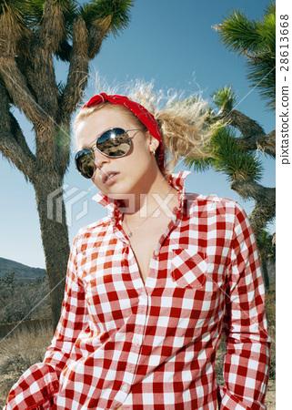 girl in red 28613668