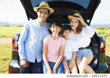 family enjoying road trip and summer vacation 28615353