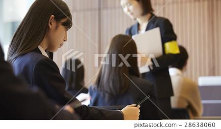 高中女生 备考的学生 考试中的学生 28638060
