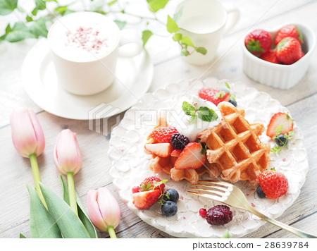 时尚草莓华夫饼煎饼 28639784