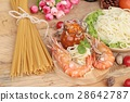 Spaghetti with shrimp and tomato sauce delicious. 28642787