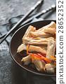 Appetizer Asparagus in Korean in a ceramic plate 28652352
