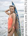 冲浪者 冲浪板 女人 28691751