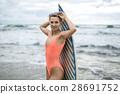 冲浪者 冲浪板 女人 28691752
