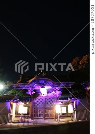 Zenkoji lantern festival Purple glow of temple 28737051