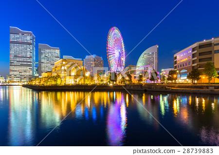 Cityscape of Yokohama city at night, Japan 28739883