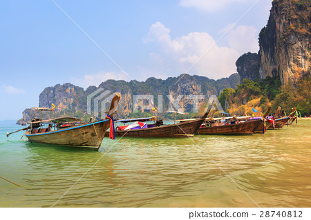 Thai long tail boat 28740812