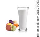 macaroon, milk, glass 28827063