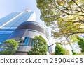 辦公區和街道樹木的高層建築 28904498