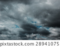 Dark clouds before a thunder-storm 28941075