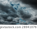 Dark clouds before a thunder-storm 28941076