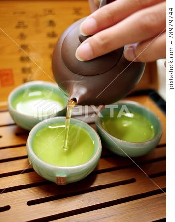 泡茶 28979744