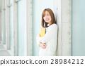 成熟的女人 一個年輕成年女性 女生 28984212