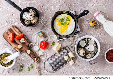Breakfast with fried quail eggs 28989894