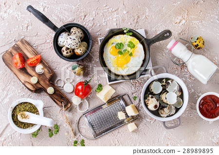 Breakfast with fried quail eggs 28989895