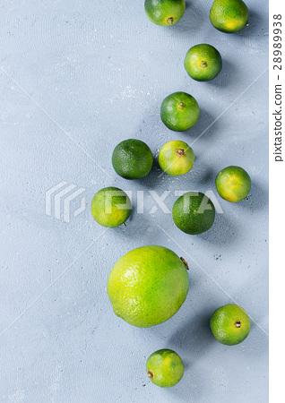 Lime and mini limes 28989938