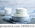 cottage cheese 28990155