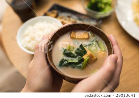 miso soup 29013641