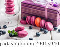 macaroon with fresh  blueberries 29015940