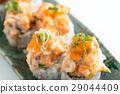 sushi roll 29044409