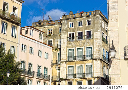 old houses in the Centre of Lisbon 29110764