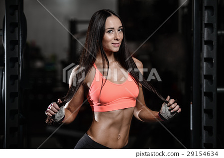 young sexy fitness woman train and exercising in gym healthy. 29154634