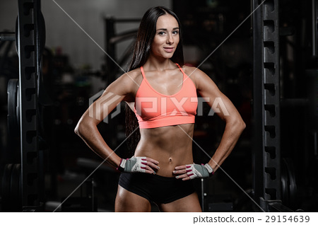 young sexy fitness woman train and exercising in gym healthy. 29154639