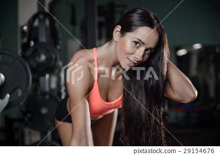 young sexy fitness woman train and exercising in gym healthy. 29154676