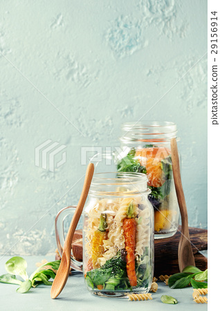 Salads in mason jars 29156914