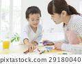 색연필을 가진 어머니와 아들 29180040