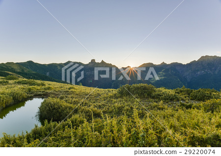 台灣百岳日出-加利山眺望聖稜線 29220074