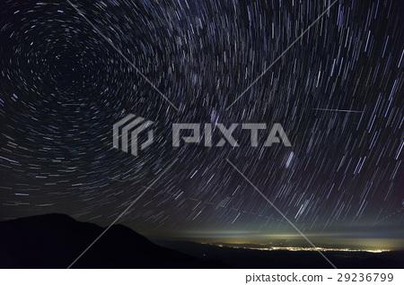 이데 연봉 · 門内 다케에서 보는 밤하늘 유성 야마가타 방면의 야경 29236799
