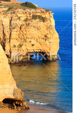 Praia da Afurada (Algarve, Portugal). 29256598