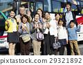 游客 乘公交旅行 车长 29321892